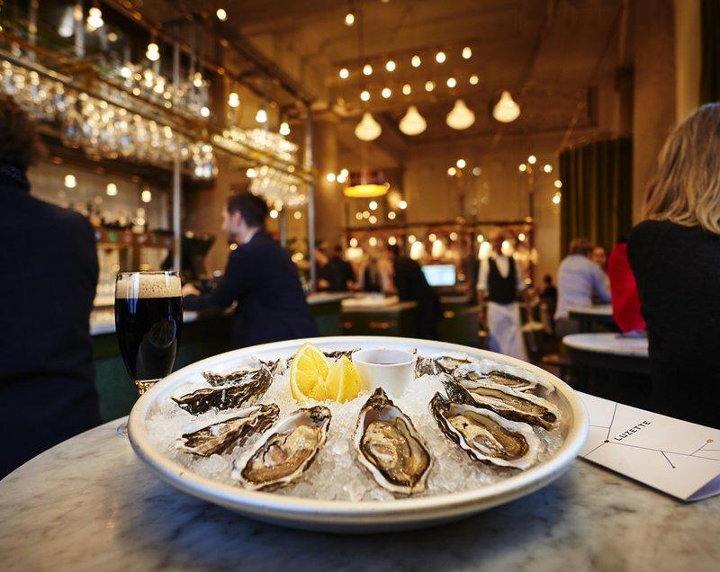 Oysters, bar Luzette, Stockholm