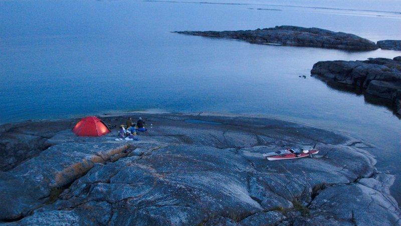 canoë sur la côte ouest de la Suède -