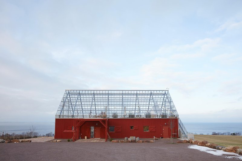 Gigantic greenhouse by the lake Vättern