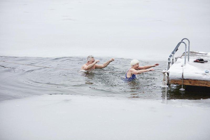 Eiskaltes Schwimmen im Januar